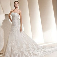Vintage A-line Strapless Floor-length Chapel Train Lace Wedding Dress [10106289] - US$236.99 : DressKindom