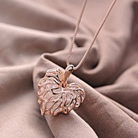Hollow Foliage Necklace