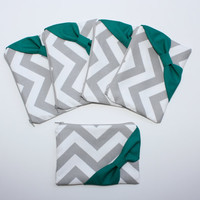 Bridesmaid Gift - Set of (5) Five Cosmetic Clutches / Makeup Bags - Gray Chevron with Emerald Green Side Bow