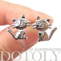 Adorable Kitty Cat Animal Shaped Stud Earrings in Shiny Silver