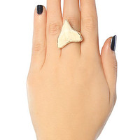 Fashionology Accessory Shark Tooth Ring in Silver