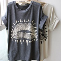 Big Lips Pattern Roll Sleeve T-shirt