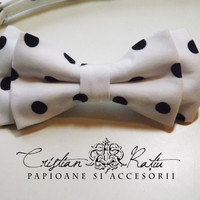White with black dots bow tie