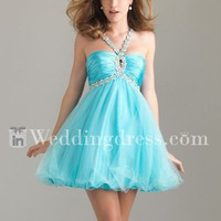 cute prom dress decorates with a keyhole halter neckline,sexy and mysterious.
