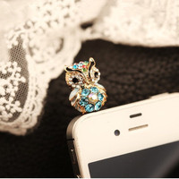 Cute Small Owl Plugy for iPhone