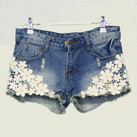 brilliant — Pearl lace flower broken copper jean shorts