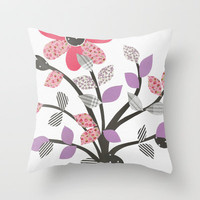 Le feuille Throw Pillow by Louise Machado