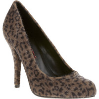 Passports Women's Megan Pumps