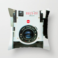 Capture the moment... Throw Pillow by Irène Sneddon