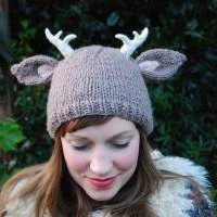 deer with little antlers hat KNITTING by TinyOwlsMagicAttic