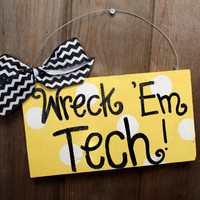 Georgia Tech Wreck Em polka dot sign