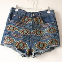 Retro embroidery shorts