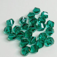 Helix Emerald Glass Bead 8mm