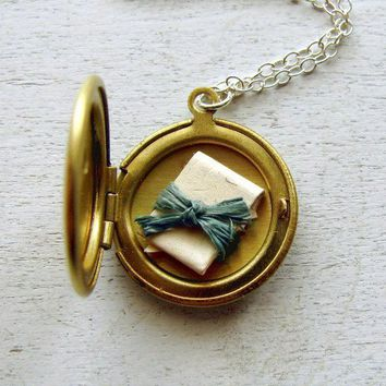 Personalized Locket Jewelry Mothers by TheDedicationCompany