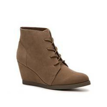 shop s shoes ankle boots from dsw designer shoe