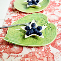 Ceramic serving plate hosta leaf