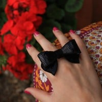 Bethel Bohemian &amp;mdash; Hyde Sequin Bow Ring