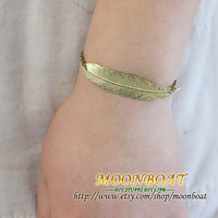 Golden Angel Feather Bracelet  MB164 by moonboat on Etsy