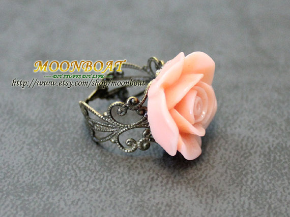 Retro Style  Resin Flower Ring  Adjustable MB162 by moonboat
