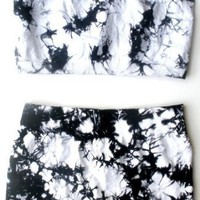 Bandeau Top & Shorts Set For Exercise Dance & Yoga - Tie Dye Black & White