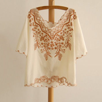 Retro Lace Royal Embroidery Batwing Tops