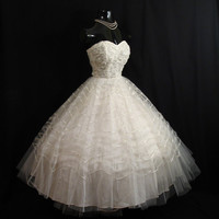 SALE Vintage 1950's 50s STRAPLESS White Tulle Lace Ribbon Party Prom Wedding DRESS Gown Formal