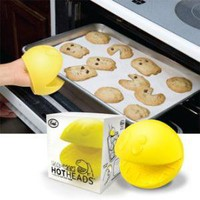 Pac-Man Hot Head Silicone Oven Mitt | X-treme Geek