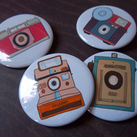 Retro Camera 4 Pack - 2 1/4 Inch Buttons | Luulla