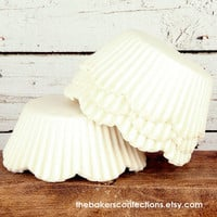 White Petal Cupcake Liners, Scallop Edge Baking Cups (100)