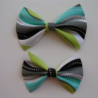 Spearmint, Green, Gray hair bow, Hair clips for kids and teens, hair bow for hair, small hair bows, hair bow, hair bows