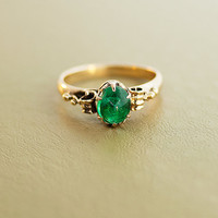Antique Victorian 15k Rose Gold Cabochon Cut Emerald Ring