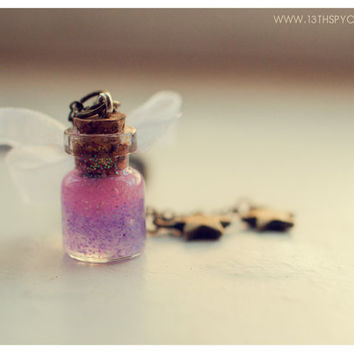 Cute White Lace glass Bottle Necklace, with glitter gel. CUSTOM GLITTER COLOR. Glass Vial necklace.glass Bottle Pendant miniature bottle