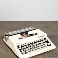 Vintage Royal Safari IV Typewriter