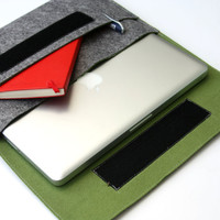 "13"" inch Apple Macbook Pro laptop Organizer Case Cover - Gray & Olive Green Weird.Old.Snail"