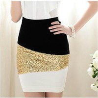 A 082602 s Black And White Mosaic Gold Sequined Skirt