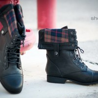 Bumper Freda-03X Plaid Cuff Lace Up Boot (Black) - Shoes 4 U Las Vegas