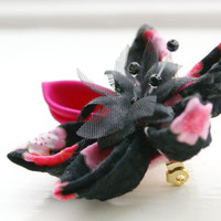Flower Brooch Pin Kanzashi Flower Corsage in by cuttlefishlove