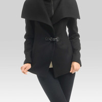 Wide collar coat     | Simons