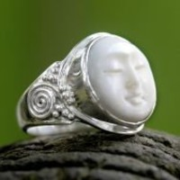 Cow Bone 'Face of the Moon' Ring (Indonesia) | Overstock.com