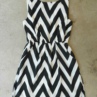 Black & White Cinched Chevron Dress [4038] - $46.00 : Vintage Inspired Clothing & Affordable Summer Frocks, deloom | Modern. Vintage. Crafted.