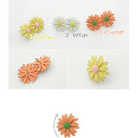 Small Daisy Earrings | Yotta Kilo
