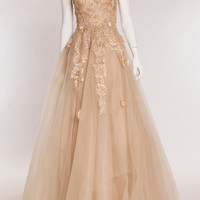 GOLD SLEEVELESS TULLE GOWN