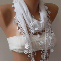 White and Elegance Shawl with Lace Edge by womann on Etsy