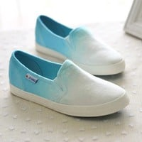 A 071021 Gradient color canvas shoes to help low