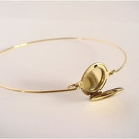 Gold locket bangle - Minimalist jewelry - Everyday jewelry - Gold Bangle - Locket bracelet