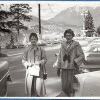2 Vintage Photographs Ladies at Prospect Point Stanley Park Vancouver, Old Cars, Totem Poles Old photo