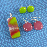 Colorful Pendant with two pairs of Earrings, Pink and Green Jewelry, Fashion Jewelry Set - Little Pink Drink  - 4302 -3