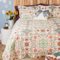 ModCloth Boho Carriage House Quilt Set in Twin