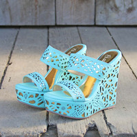 Traveling Sands Wedges in Turquoise