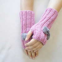 Rose pink Gloves, Gloves, Women Accessories, Fingerless gloves, Fall fashion,  miitten, warm. winter trends, women accesories. pink  gloves